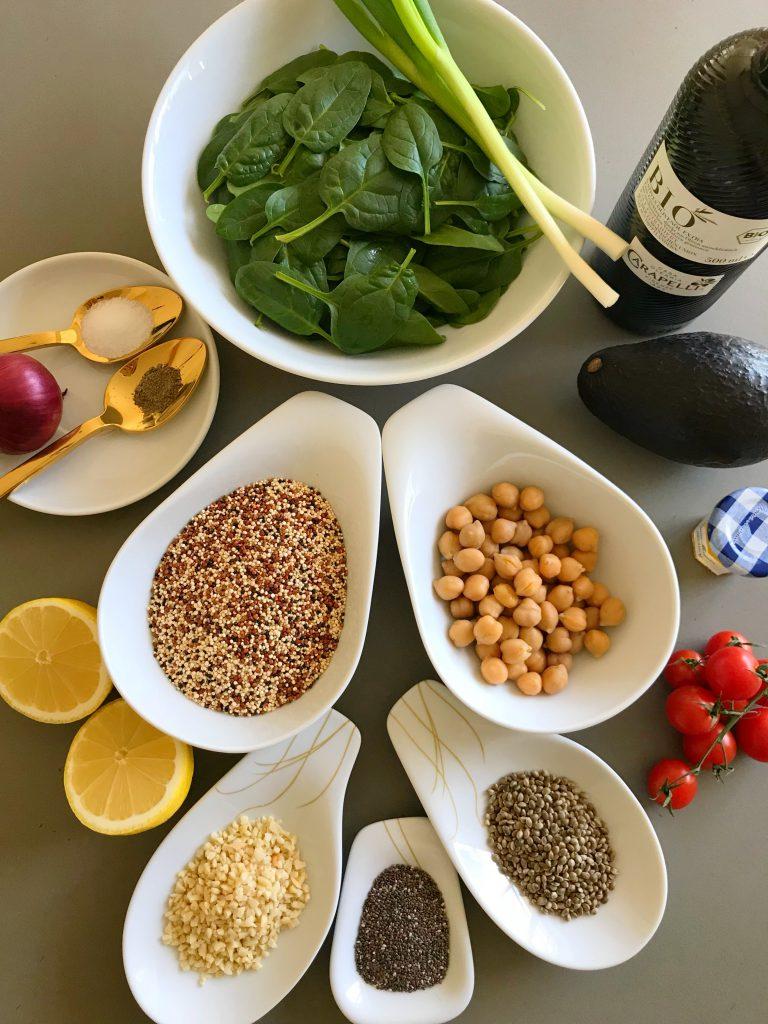 Alle Zutaten für den Superfood Salat