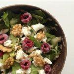 Honig Ziegenkaese Salat mit Himbeere
