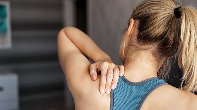Eine Übersäuerung der Muskeln kann sich in unangenehmen Schmerzen äußern.