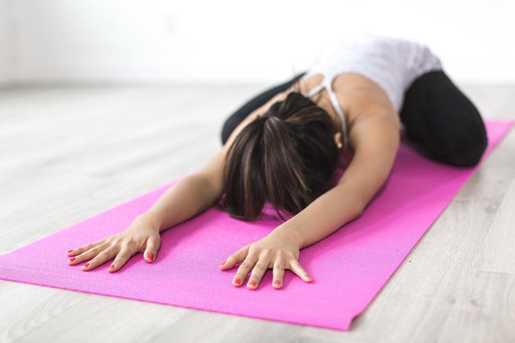 Morgenroutine mit Yoga in den Tag starten