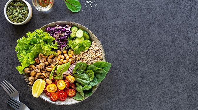 Obst, Gemüse und Hülsenfrüchte sind Bestandteile des Daily Dozen.