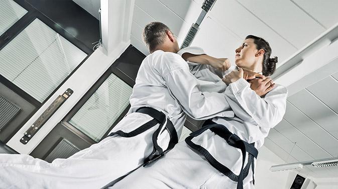 Judo zeichnet sich als Kampfsport insbesondere durch die Nähe zum Gegner aus.