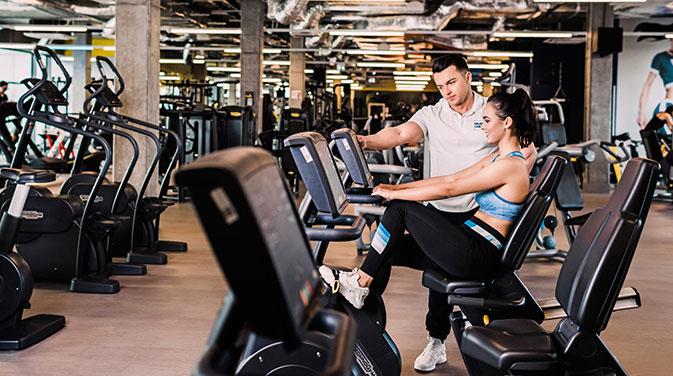Das Liegeergometer stellt eine gute Möglichkeit dar, um sich vor dem Training aufzuwärmen und die Muskeln in Einsatzbereitschaft zu bringen. Darüber hinaus gibt es viele weitere Cardiogeräte oder andere Möglichkeiten, für ein WarmUp.