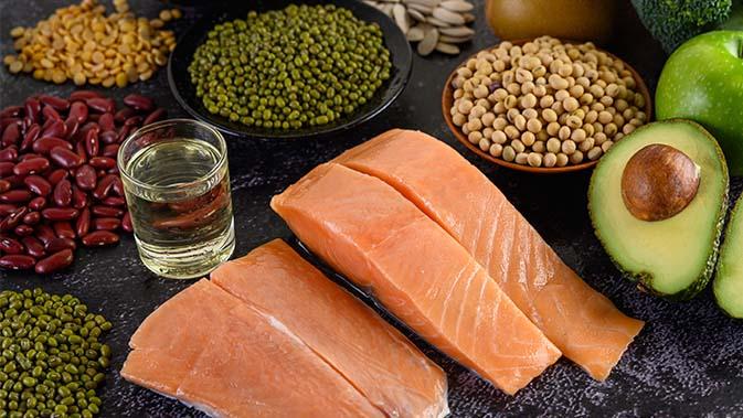Lachs ist vor allem reich an der Aminosäure Threonin.