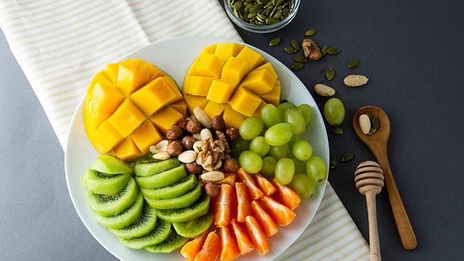Obstsorten wie Kiwi, Beeren und Zitrusfrüchte sind besonders reich an Antioxidantien.