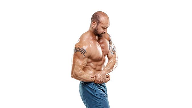 Die seitliche Brustpose ist eine der sieben Pflichtposen für Männer bei einem Bodybuilding Wettkampf.