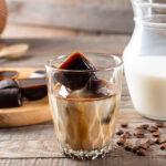 Eiskaffee zu jederzeit - das geht ganz einfach, mit Kaffee-Eiswürfeln