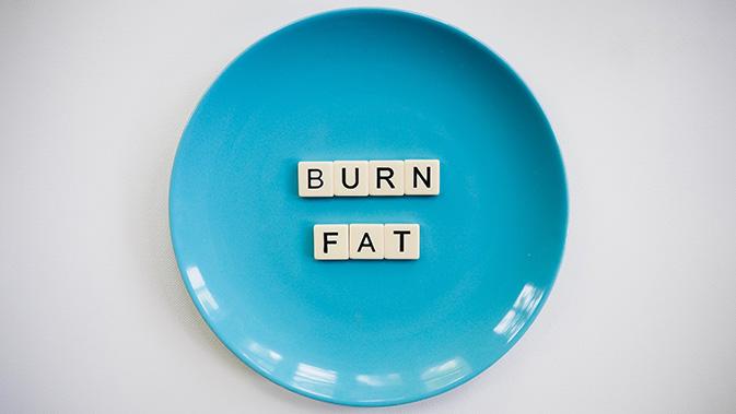 Ziel eines Mini Cut ist es, in kurzer Zeit möglichst viel Fett abzubauen, ohne dabei an Muskelmasse zu verlieren.