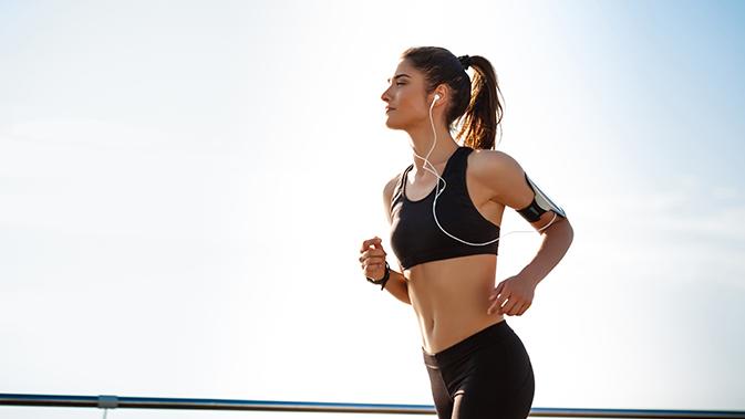 Aerobes Training kann den Herzmuskel kräftigen und die Ausdauer verbessern.